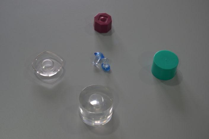 Gran variedad de tapones para perfumería y otras aplicaciones